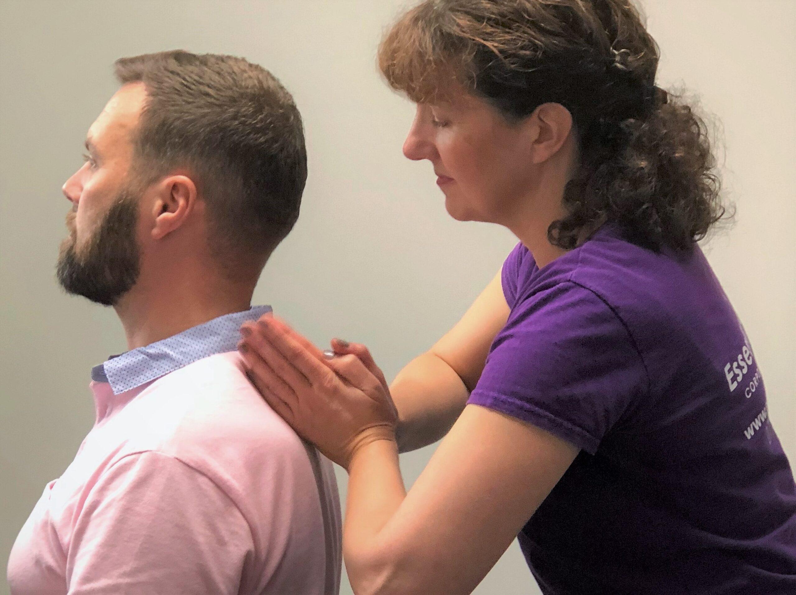 Vitality Massage percussion technique At desk Massage